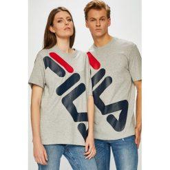 Fila - T-shirt. Szare t-shirty damskie Fila, z nadrukiem, z bawełny, z okrągłym kołnierzem. W wyprzedaży za 139.90 zł.