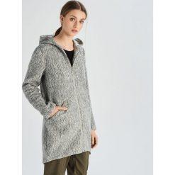 1f7b349aeb038 Płaszcz z kapturem - Jasny szary. Płaszcze damskie marki Sinsay. W  wyprzedaży za 79.99