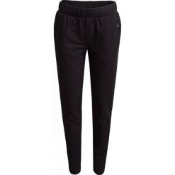 Spodnie dresowe damskie  SPDD601 - czarny - Outhorn. Czarne spodnie dresowe damskie Outhorn, na lato, z bawełny. W wyprzedaży za 49.99 zł.
