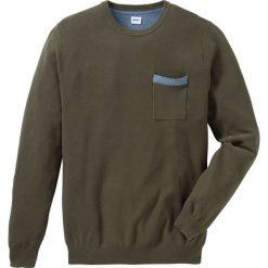 Sweter Regular Fit bonprix ciemnooliwkowy. Swetry przez głowę męskie marki Giacomo Conti. Za 74.99 zł.