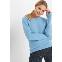 Puszysty sweter. Niebieskie swetry damskie Orsay, z dzianiny, z okrągłym kołnierzem. Za 79.99 zł.
