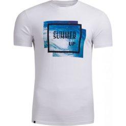 T-shirt męski TSM608 - biały - Outhorn. Białe t-shirty męskie Outhorn, na lato, z materiału. W wyprzedaży za 29.99 zł.