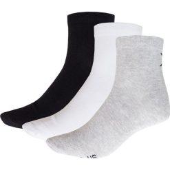 Skarpetki męskie (3 pary) SOM622 - biały + czarny + szary - Outhorn. Czarne skarpety męskie marki Giacomo Conti, z bawełny. Za 22.99 zł.