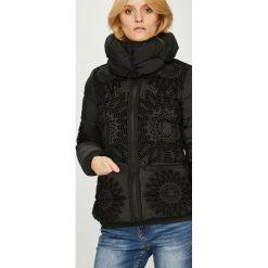 Desigual - Kurtka. Czarne kurtki damskie Desigual, z materiału. W wyprzedaży za 599.90 zł.