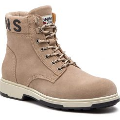 Kozaki TOMMY JEANS - Suede Boot EM0EM00235 Desert Sand 932. Brązowe kozaki męskie Tommy Hilfiger, ze skóry. Za 599.00 zł.