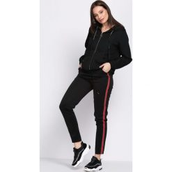 Czarno-Czerwone Spodnie Dresowe Patience. Czarne spodnie dresowe damskie Born2be, z dresówki. Za 29.99 zł.