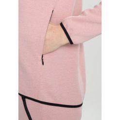 Peak Performance Bluza rozpinana softer pink. Bluzy sportowe damskie Peak Performance, z bawełny. Za 549.00 zł.