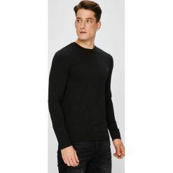 Guess Jeans - Longsleeve. Czarne bluzki z długim rękawem męskie Guess Jeans, z aplikacjami, z bawełny, z okrągłym kołnierzem. Za 149.90 zł.