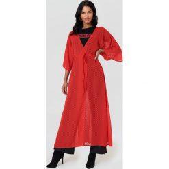 NA-KD Boho Sukienka-płaszcz z szyfonu - Red. Czerwone sukienki damskie NA-KD Boho, z szyfonu, boho. Za 100.95 zł.