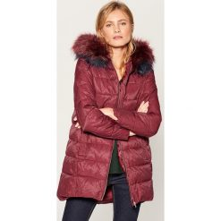 Długa kurtka z kapturem - Bordowy. Czerwone kurtki damskie Mohito. Za 299.99 zł.