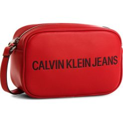 Torebka CALVIN KLEIN JEANS - Sculpted Camera Bag K40K400385 623. Czerwone listonoszki damskie Calvin Klein Jeans, z jeansu. Za 399.00 zł.