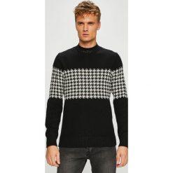 Selected - Sweter. Szare swetry przez głowę męskie Selected, z bawełny, z okrągłym kołnierzem. W wyprzedaży za 179.90 zł.