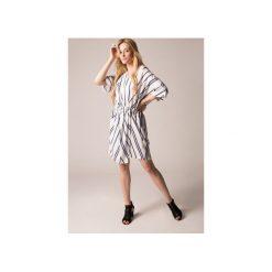 Sukienka kimono biała. Białe sukienki damskie Holystic, z tkaniny. Za 374.00 zł.