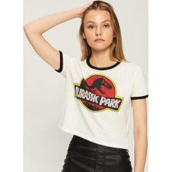 T-shirt Jurassic Park - Kremowy. Białe t-shirty damskie Sinsay. Za 29.99 zł.