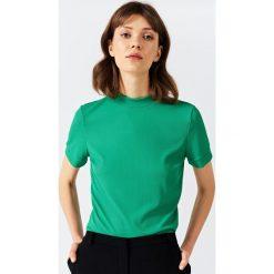 Simple - Top. Zielone topy damskie Simple, z dzianiny, z krótkim rękawem. W wyprzedaży za 159.90 zł.