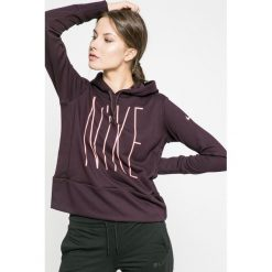 Nike - Bluza. Bluzy sportowe damskie Nike, z nadrukiem, z dzianiny. W wyprzedaży za 139.90 zł.