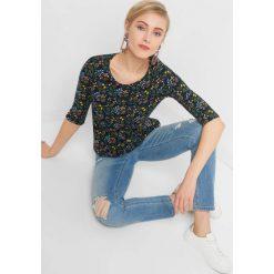 Koszulka w kwiaty. Niebieskie bluzki damskie Orsay, w kolorowe wzory, z bawełny. Za 39.99 zł.