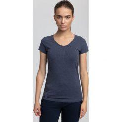 T-shirt damski TSD302 - denim melanż. Niebieskie t-shirty damskie 4f, melanż, z bawełny. W wyprzedaży za 19.99 zł.