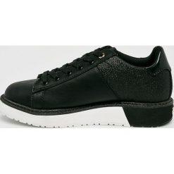 Guess Jeans - Buty Debora. Czarne obuwie sportowe damskie Guess Jeans, z jeansu. Za 499.90 zł.