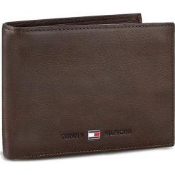 Duży Portfel Męski TOMMY HILFIGER - Johnson Cc Flap And Coin Pocket AM0AM00660/82566 041. Brązowe portfele męskie Tommy Hilfiger, z nubiku. Za 299.00 zł.