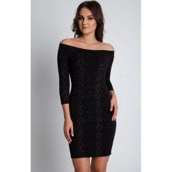 Czarna sukienka ze złotą nicią z długim rękawem BIALCON. Czarne sukienki damskie BIALCON, wizytowe, z długim rękawem. W wyprzedaży za 111.00 zł.