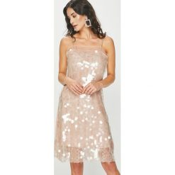 Answear - Sukienka Night Fever. Szare sukienki damskie ANSWEAR, z poliesteru, eleganckie. Za 229.90 zł.