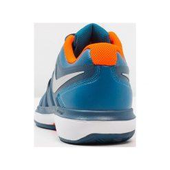 Nike Performance AIR ZOOM PRESTIGE CLY Obuwie do tenisa Outdoor green abyss/metallic silver. Trekkingi męskie Nike Performance, z materiału, outdoorowe. Za 419.00 zł.