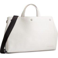 Torebka CALVIN KLEIN JEANS - Logo Banner Ew T Bottom Tote K40K400821 102. Białe torebki do ręki damskie Calvin Klein Jeans, z jeansu. Za 649.00 zł.