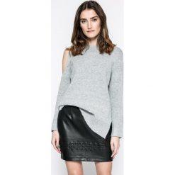 Answear - Sweter. Szare swetry damskie ANSWEAR, z dzianiny, z okrągłym kołnierzem. W wyprzedaży za 59.90 zł.