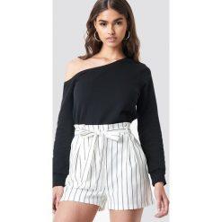 NA-KD Basic Sweter na jedno ramię - Black. Czarne swetry damskie NA-KD Basic, z bawełny. Za 100.95 zł.