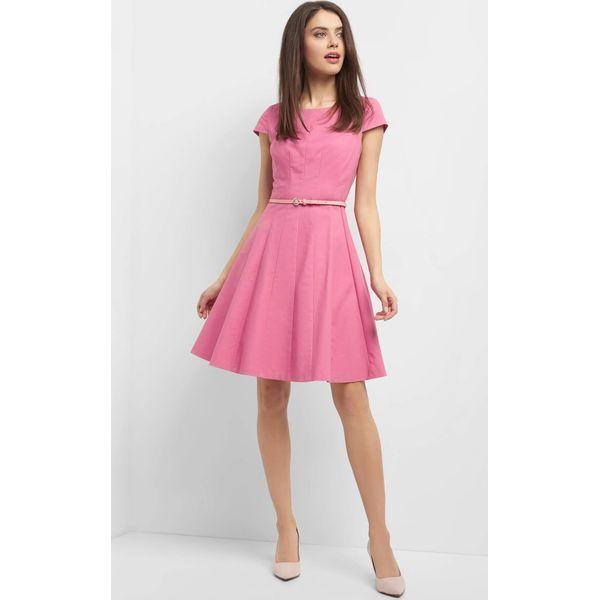 9918d47a07 Rozkloszowana sukienka z paskiem - Sukienki damskie marki Orsay. Za ...