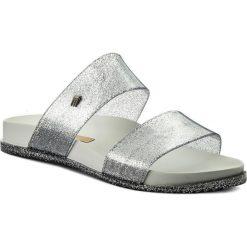 Klapki MELISSA - Cosmic Ad 31613 White/Glitter Silver 52962. Szare klapki damskie Melissa, z materiału. W wyprzedaży za 169.00 zł.