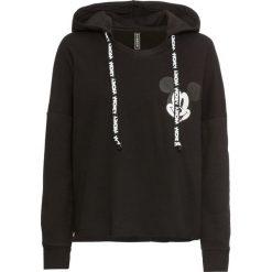 Bluza z kapturem i nadrukiem Myszki Miki bonprix czarny. Czarne bluzy damskie bonprix, z nadrukiem. Za 99.99 zł.