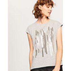 T-shirt z nadrukiem - Jasny szar. Szare t-shirty damskie Reserved, z nadrukiem. Za 29.99 zł.