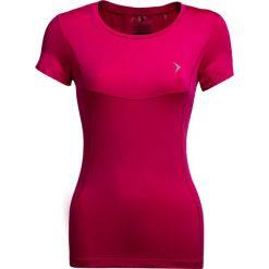 Koszulka treningowa damska TSDF600 - różowy - Outhorn. Czerwone bluzki damskie Outhorn, z materiału. W wyprzedaży za 39.99 zł.