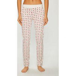 Etam - Spodnie piżamowe Paily. Szare piżamy damskie Etam, z bawełny. Za 89.90 zł.