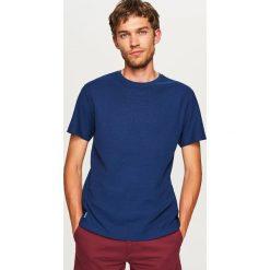 Gładki t-shirt - Granatowy. Niebieskie t-shirty męskie Reserved. Za 49.99 zł.