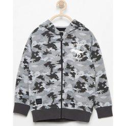 Bluza moro z kapturem - Jasny szar. Bluzy dla chłopców Reserved, moro. W wyprzedaży za 39.99 zł.