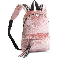 Plecak TOMMY JEANS - Tj Logo Tape Mini Ba AU0AU00341 655. Plecaki damskie marki Tommy Jeans. W wyprzedaży za 279.00 zł.