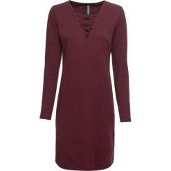 Sukienka shirtowa ze sznurowaniem bonprix czerwony klonowy. Czerwone sukienki damskie bonprix, ze sznurowanym dekoltem. Za 69.99 zł.