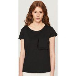 T-shirt z krótkimi rękawami - Czarny. Czarne t-shirty damskie Reserved. Za 29.99 zł.