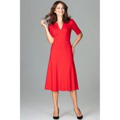 Sukienka koktajlowa za kolano k478. Czerwone sukienki damskie Global, biznesowe, dekolt w kształcie v. Za 169.00 zł.