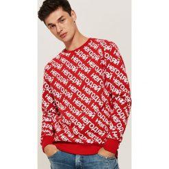 Bluza z nadrukiem all over - Czerwony. Czerwone bluzy męskie House, z nadrukiem. Za 89.99 zł.