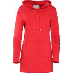 Czerwona Bluza Afro Stars. Czerwone bluzy damskie Born2be. Za 89.99 zł.