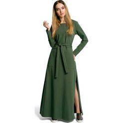 Zielona Sukienka Dresowa Maxi z Dekoltem Caro z Rozcięciem. Zielone sukienki damskie Molly.pl, w paski, z bawełny. Za 149.90 zł.