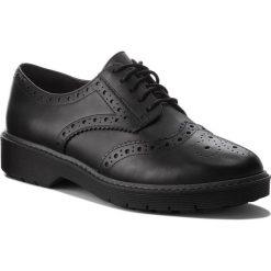 Oxfordy CLARKS - Alexa Darcy 261352404 Black Leather. Czarne półbuty damskie Clarks, ze skóry. W wyprzedaży za 279.00 zł.