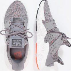 Adidas Originals PROPHERE Tenisówki i Trampki grethr/ftwwht/solred. Trampki męskie adidas Originals, z materiału. W wyprzedaży za 466.65 zł.