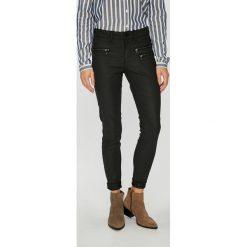 Vero Moda - Spodnie. Szare spodnie materiałowe damskie Vero Moda, z bawełny. Za 219.90 zł.