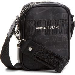 Saszetka VERSACE JEANS - E1YSBB22 70723 899. Czarne saszetki męskie Versace Jeans, z jeansu, młodzieżowe. W wyprzedaży za 289.00 zł.