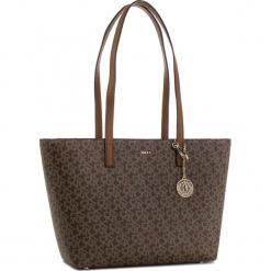 Torebka DKNY - Bryant Lg Zip Tote R74AJ014 Mocha Logo/Vic 9MV. Brązowe torebki do ręki damskie DKNY, ze skóry ekologicznej. Za 809.00 zł.